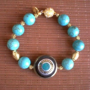 Juicy Jewels and Gems bue bracelet