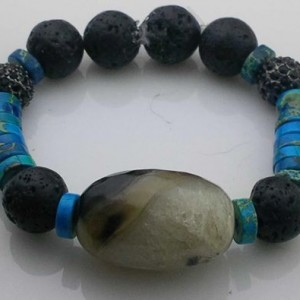 Juicy Jewels and Gems blue gemstone bracelet